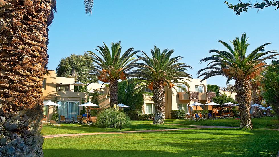 Superior family bungalows creta palace luxury family for Katzennetz balkon mit pattaya garden resort bungalow