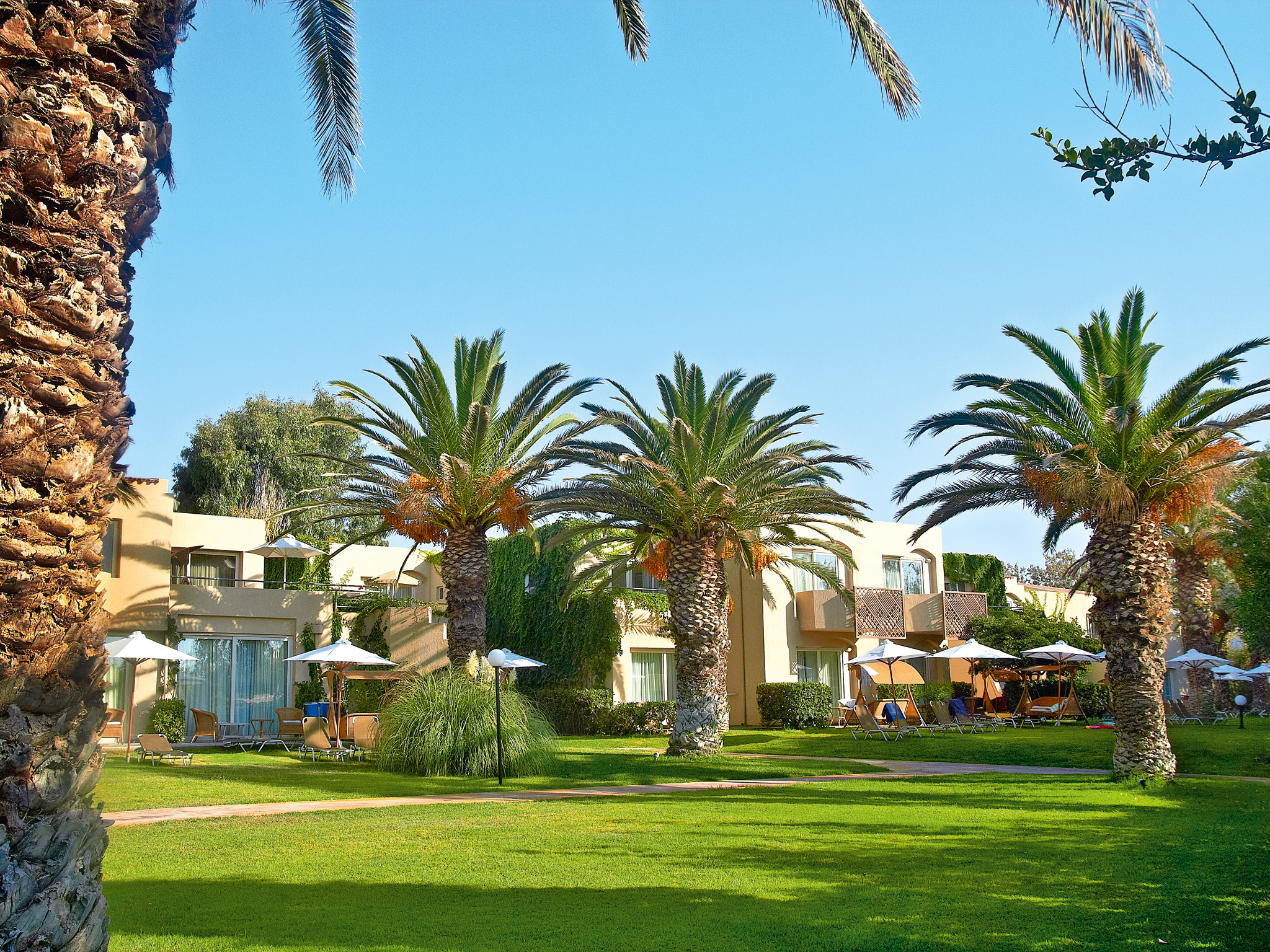 tropical hotel accommodation in crete