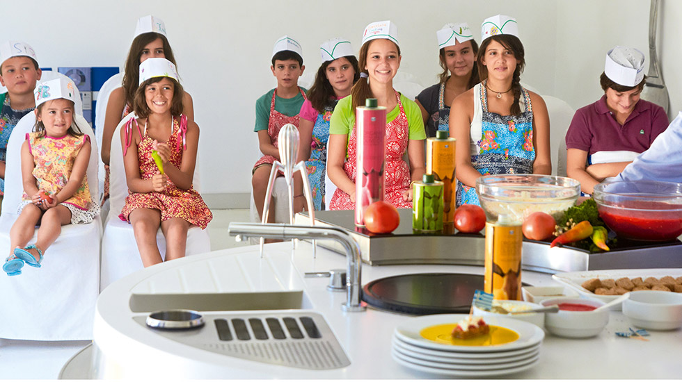 Creta Palace Cooking Lessons by Grecotel