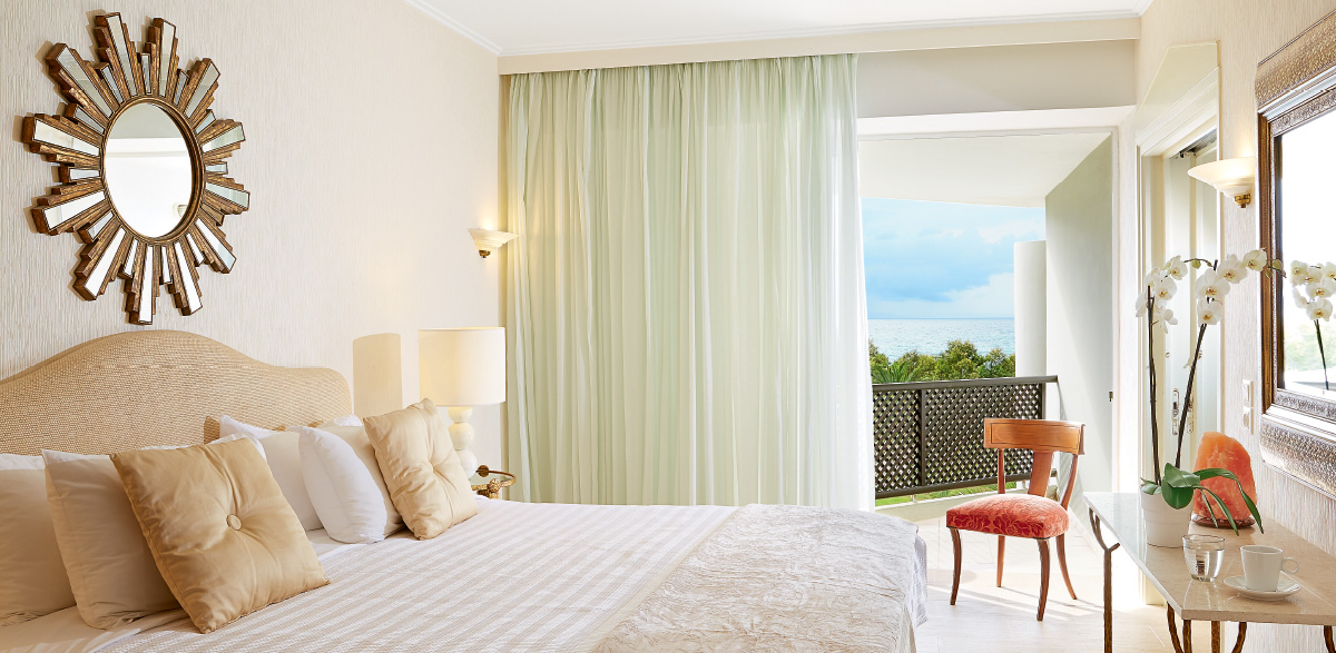 01-deluxe-family-room-sea-view-from-bedroom-creta-palace-accommodation