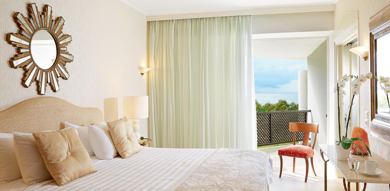 deluxe-family-room-bedroom-creta-palace-holidays-in-crete