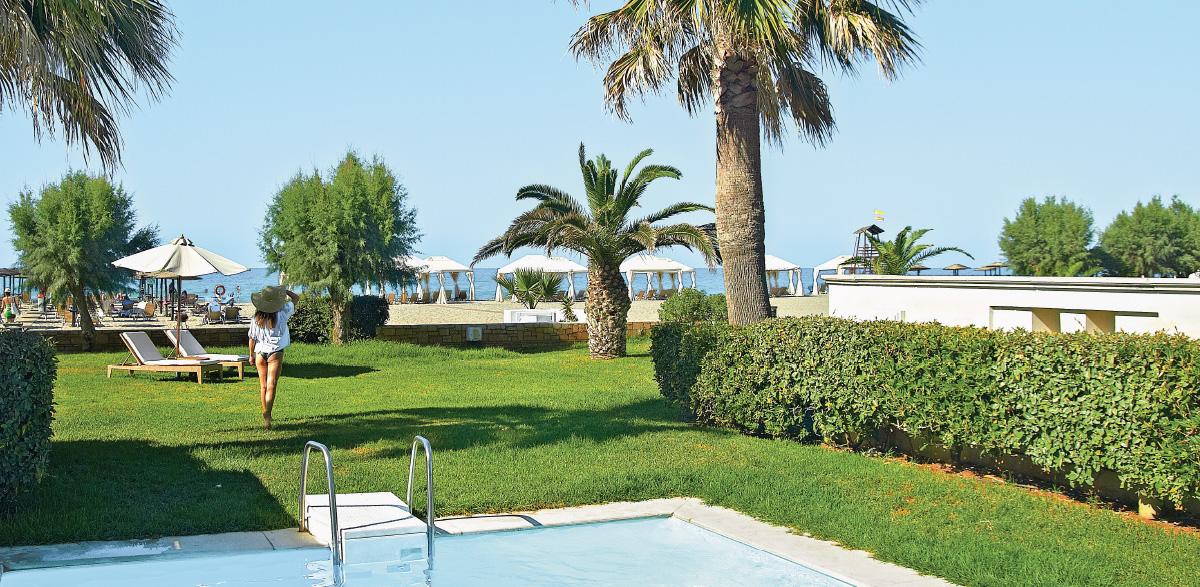 03-deluxe-junior-bungalow-suite-private-pool-sea-views-creta-palace-luxury-rooms