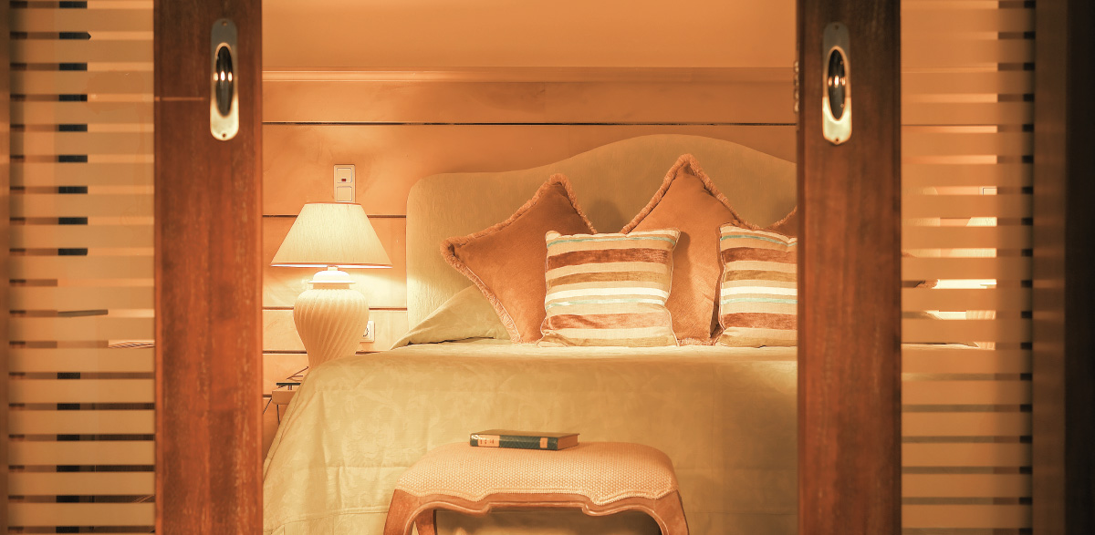 04-deluxe-one-bedroom-bungalow-suite-creta-palace-luxury-holidays-in-grecotel-greece