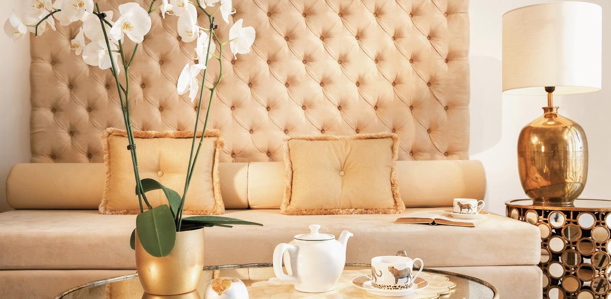 02-palace-guestroom-creta-palace-luxury-lounge-area