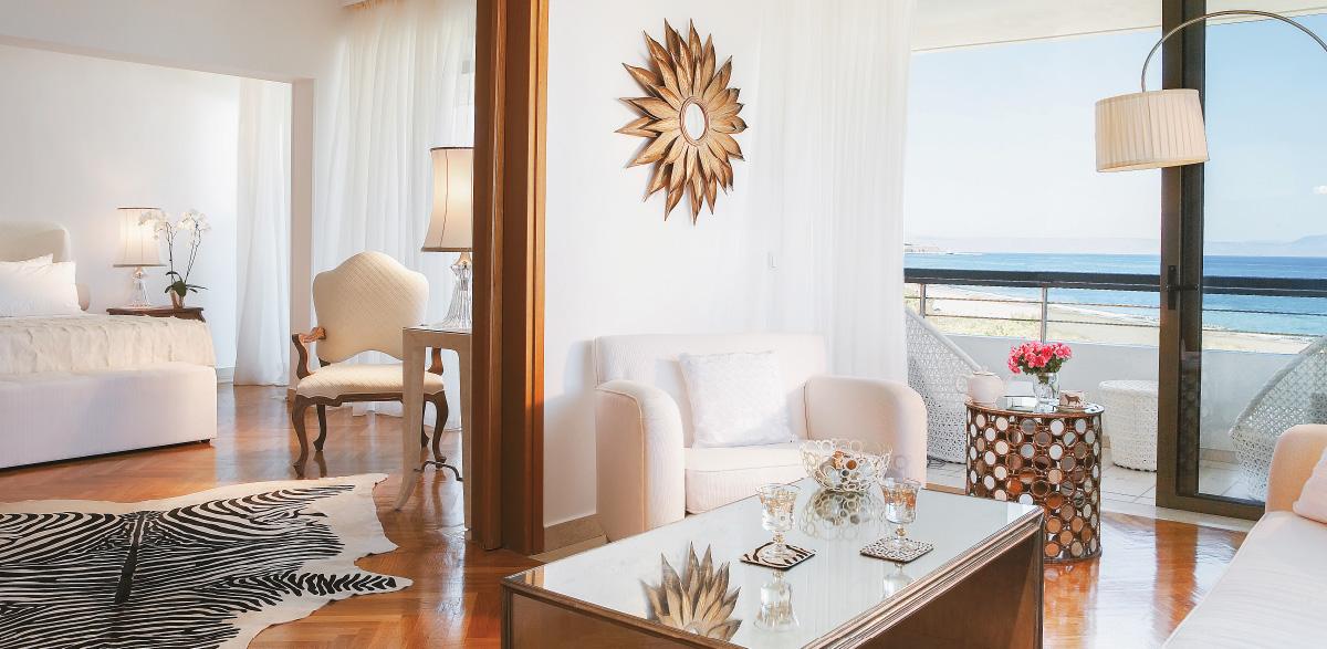 02-palace-luxury-suite-creta-palace-lounge-area-panoramic-sea-views
