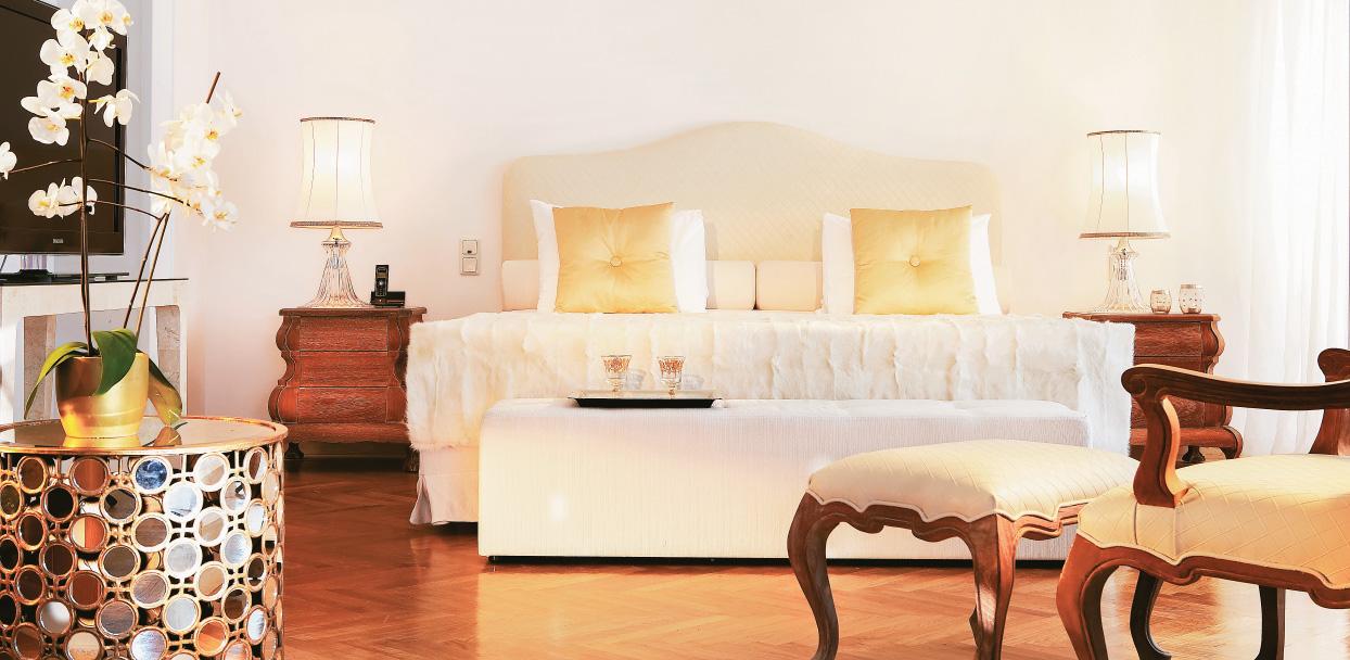 palace-luxury-suite-creta-palace-bedroom-and-lounge-area