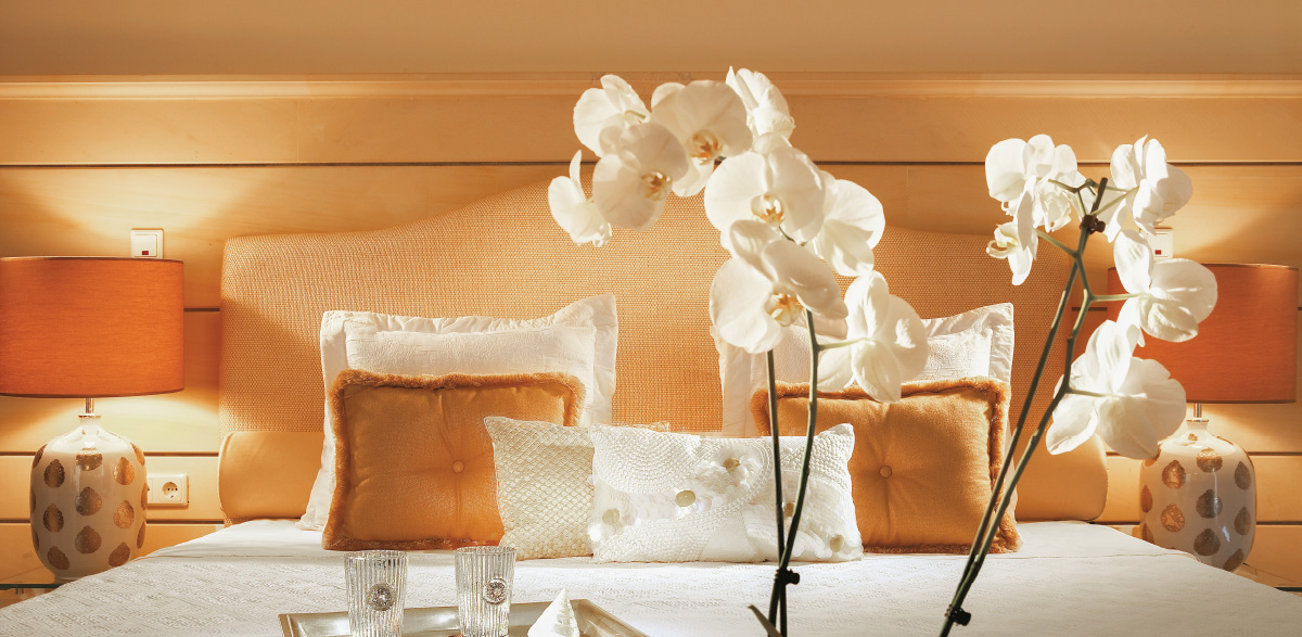 03-presidential-villa-private-pool-bedroom-creta-palace-luxury-holidays