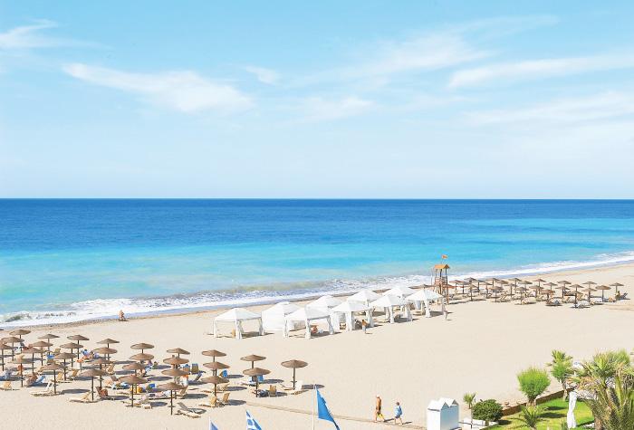 04-creta-palace-crystal-water-beach-in-crete