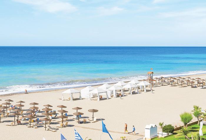 03-blue-flag-beach-of-creta-palace-luxury-resort-in-greece