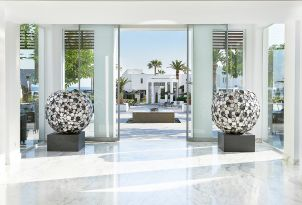 04-hotels-amazing-architecture-and-design-grecotel-creta-palace-in-greece-family-resort