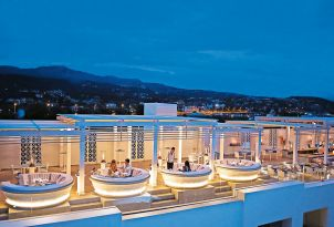 17-zeus-and-amalthia-sky-bar-and-restaurant-for-the-perfect-greek-night-for-a-drink-in-creta-palace