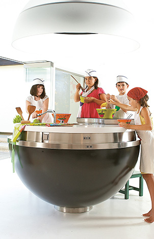 18-kids-activities-and-educational-programs-for-juniors-in-grecotel-creta-palace-in-greece