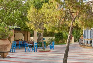 19-greek-cafe-and-desserts-in-kafenion-the-beautiful-hellas-in-grecotel-creta-palace