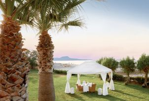 22-special-ceremony-by-the-sea-in-grecotel-creta-palace-in-greece
