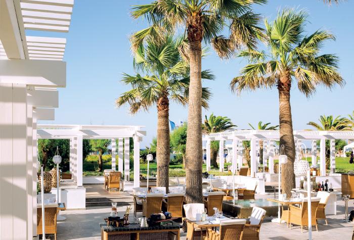 01-al-fresco-dining-in-creta-palace-grecotel-cretan-cuisine